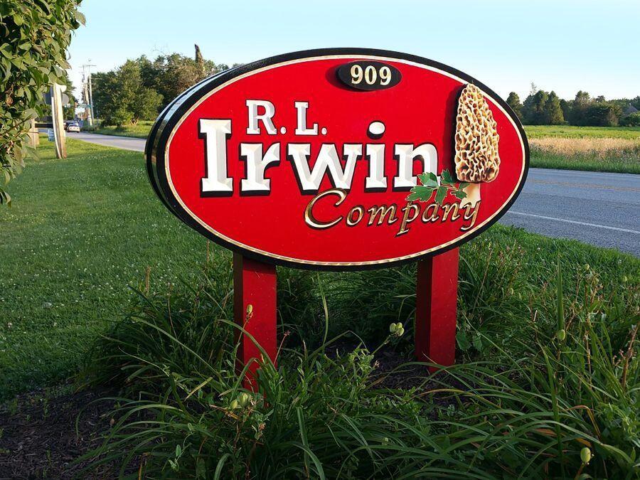 Pylon Signs in Newark, DE, Boardman, OH, New Castle, PA, Hermitage, PA